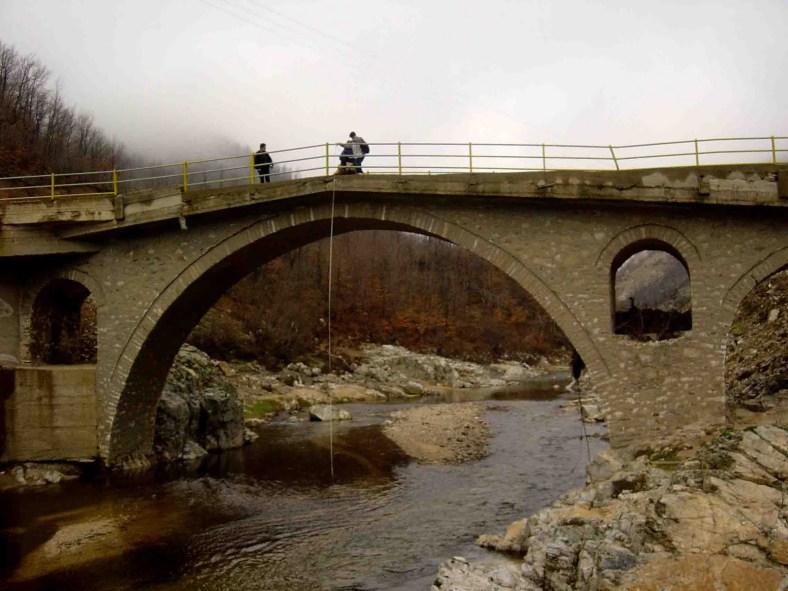 16. Πέτρινη γέφυρα λίγο πριν τις Σάτρες