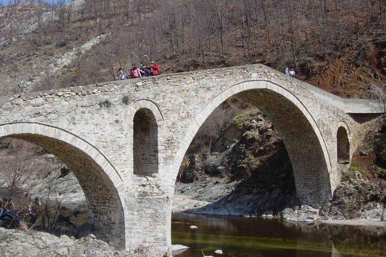 17. Πέτρινη γέφυρα στις Σάτρες 2003