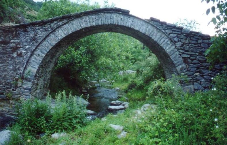 24. πετρογέφυρο στη Χλόη