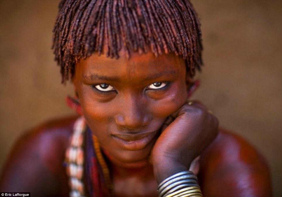 XXX Αιθιοπική βίντεοOli μασάζ σεξ