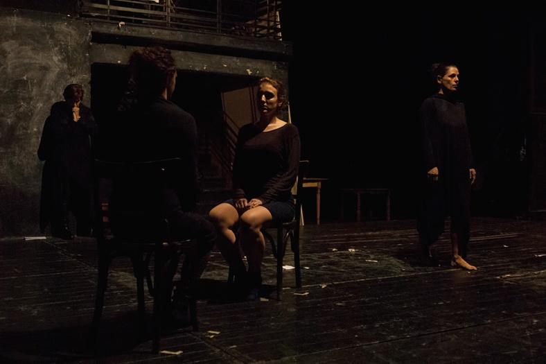 θεατρική παράσταση Sex Trafficking, στο Εμπρός 8