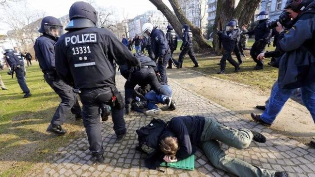 Frankfurt a-M, 18-3-15 3
