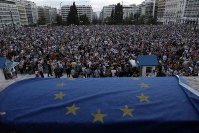 Συγκέντρωση -Σύνταγμα-Μένουμε Ευρώπη